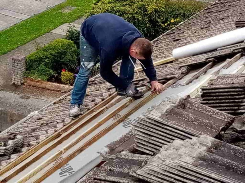 Roofing Contractor Possess